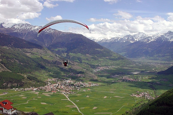 The higher part of Vinschgau. Taken from Ski Resort Watles. View towards Mals, Glurns and Schluderns - Author: Flyout - Lizenz: CC-BY-SA-3.0.