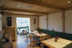 Frühstücksraum (3) - Blick aus dem Frühstücksraum in den Wintergarten