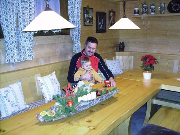 Peter Pöppl und Korbinian begrüßen unsere Gäste