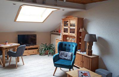 Apartment 08 (Wohnzimmer) Gästehaus Pöppl